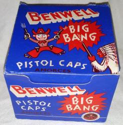 very rare unused trade box 1960s-benwell cowboy cap gun  caps 144 boxes, complet