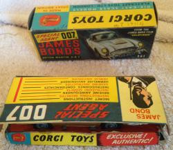 original 1960s corgi james bond 007 aston martin db4 boxed and complete 261