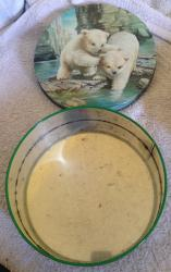 1960s peek frean round polar bear tin