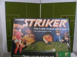 striker football game