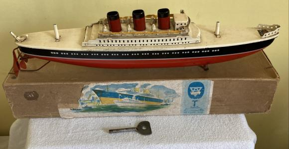 1940s Arnold tin plate c/w cruise liner boxed