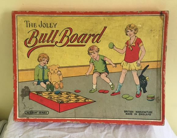 1930s  glevum bull board game