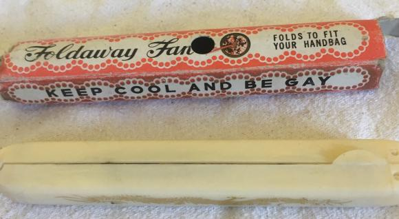 1950s foldaway ladies fan, boxed