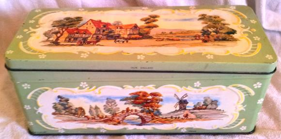 1968 huntley & palmer olde england biscuit tin
