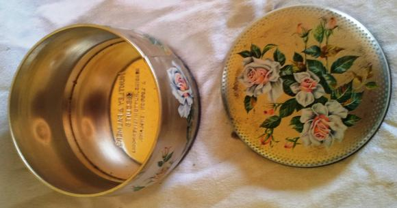 1963 huntley & palmer silver rose biscuit tin