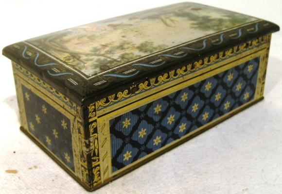 early clarnico lithgraphed collectable biscuit tin