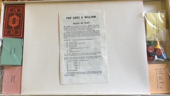 scarce 1967 pop goes a million board game, complete.