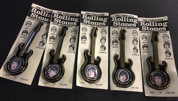 original 1964 set of 5 Rolling Stones plastic guitar brooches, carded