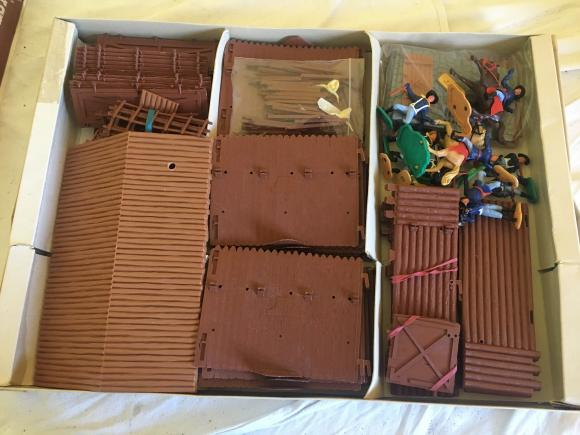 rare 1960s timpo Wild West fort no 259 boxed and complete.