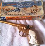 1960's outlaw rodeo cap gun boxed